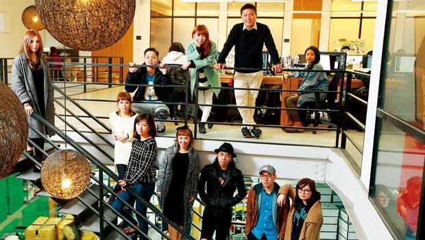 Pazzo創辦人廖承豪(圖上排右2)與Pazzo團隊。