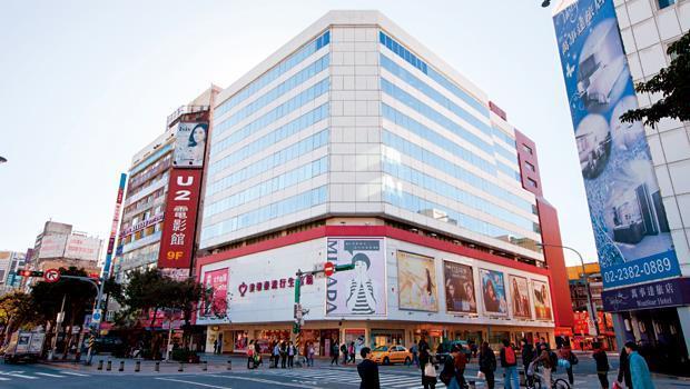 國泰1號旗下中華大樓,帳面價值不到市價一半,讓投資者興起賣樓念頭。
