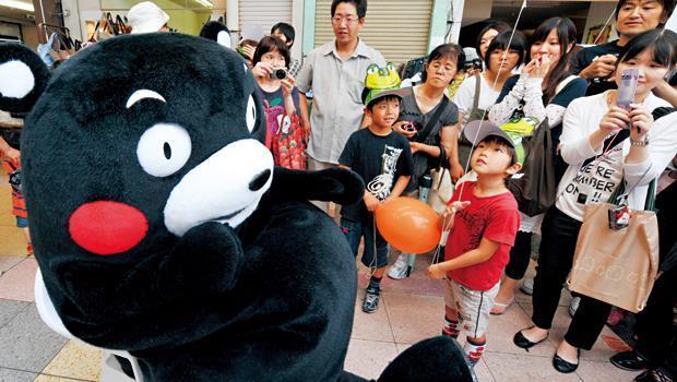 酷MA萌(左)掀起日本在地吉祥物熱,讓僅47個都道府縣的日本,出現超過2,000隻吉祥物。