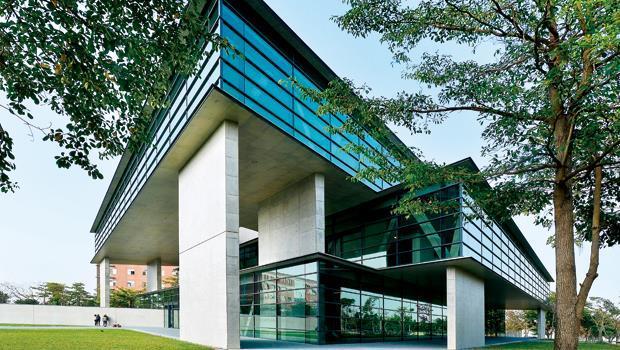 坐落台中市霧峰區的亞洲現代美術館。