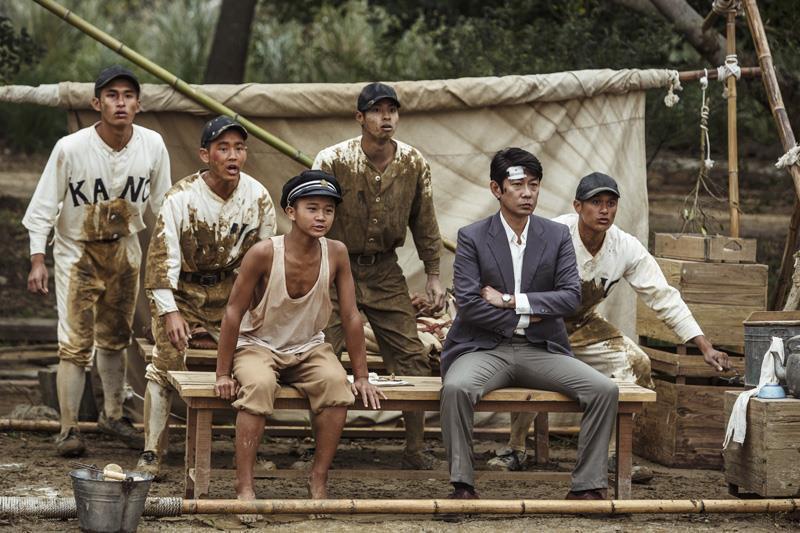 拿大人和小孩比賽!1931年的KANO(嘉農)棒球隊大大超齡