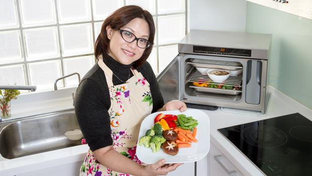 蒸爐專利的抽風設計,能讓菜餚保留各自風味,不會把氣味混在一起。