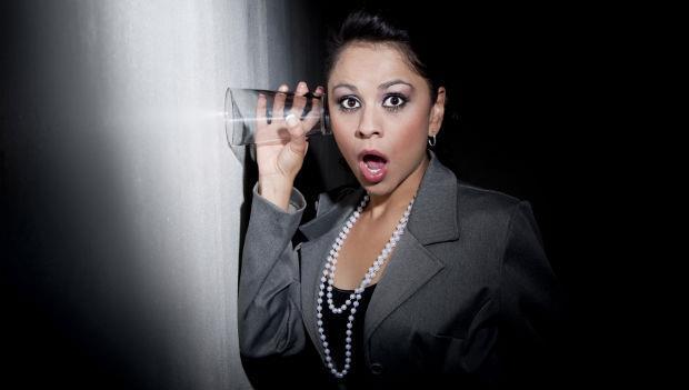 在廁所講公司壞話,被老闆娘偷聽到,該怎麼辦?