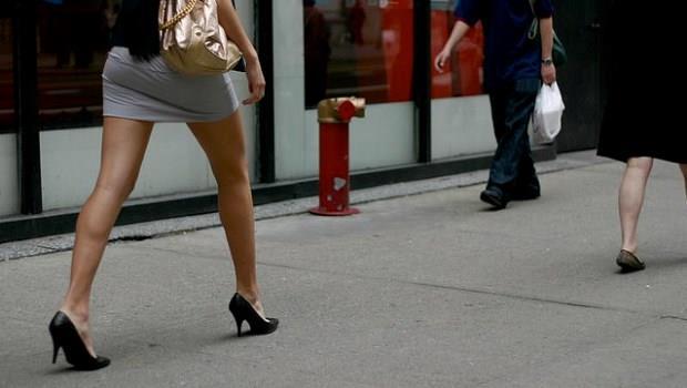 說話要像「辣妹的迷你裙」,10秒鐘就讓人印象深刻!
