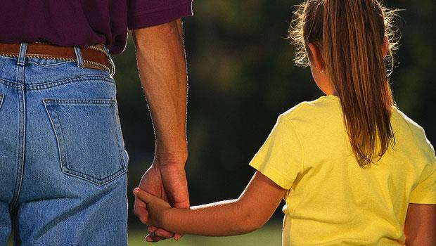 虎爸、寶媽都做錯!孩子受挫折時,父母唯一該做的是「支持」