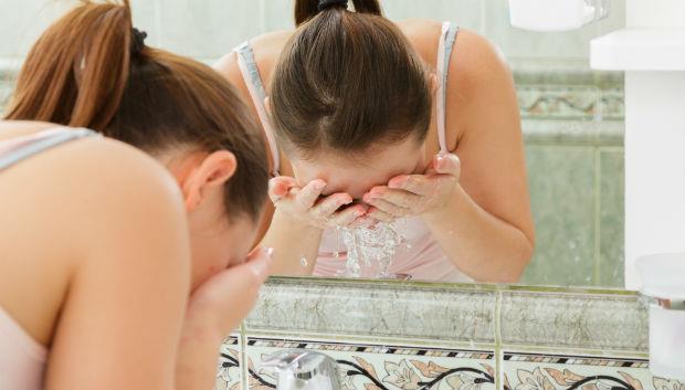 用蜂蜜、鹽、醋洗臉,洗到60歲都沒皺紋?
