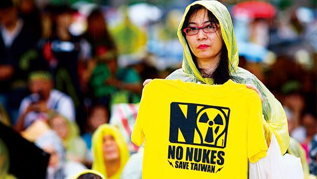 連續2年反核遊行都有10萬至20萬人上街,今年更讓馬政府對核四喊停。