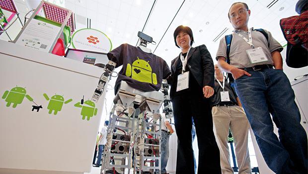 Google致力研發機器人,已可使用智慧型手機來操控。