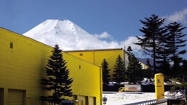 獨家直擊》富士山下的黃色巨人 - 封面摘要 - 商業周刊
