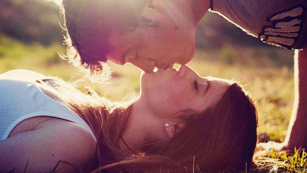 耶魯大學教授:年輕人談戀愛,好處多多!