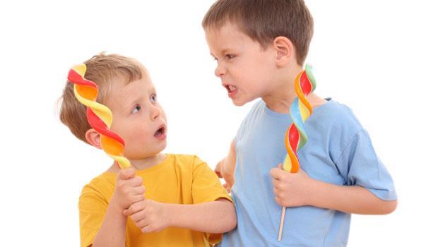 「叫我爸爸打你喔」小孩成了校園小霸王,該怎麼辦?