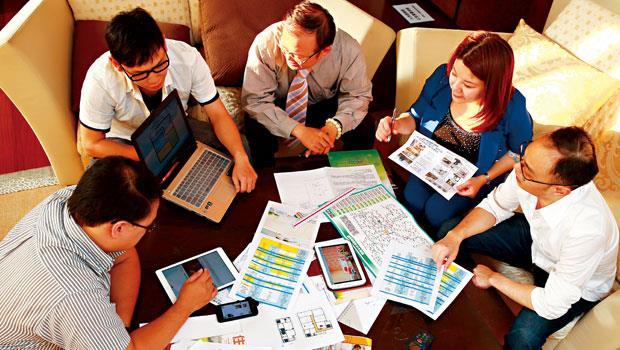 「有愛租屋團隊」合購房屋出租2年來,每週固定聚會,交換資訊、培養默契,不但共享租金收益,還建立更大人脈網。