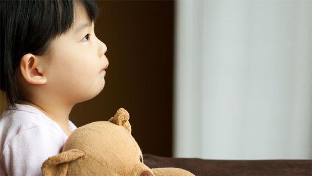 捷運砍人事件,父母該怎麼教孩子面對?