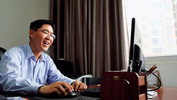 楊哲安,曾在美國英特爾、香港蘇黎士工作,三十五歲,標準的「外資咖」,年薪約新台幣兩百萬,平潭第一件人民幣二十五億企業債,就是他發行完成的。