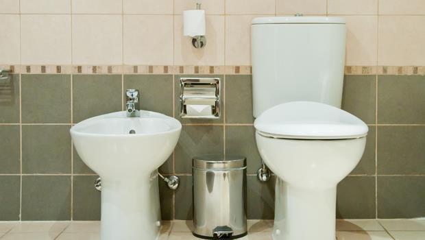 清潔浴室最有用的東西竟然是...溼紙巾