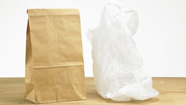 紙袋vs.塑膠袋,誰比較環保? - 商業周刊