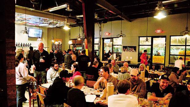 三一園的育成計畫鎖定餐廳創業,達成創業者圓夢、投資人賺錢、在地人就業的目標。