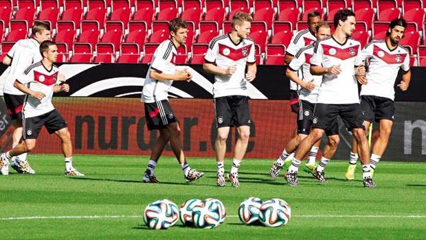 德國隊是史上第一個在世界盃打滿100場的球隊,全隊價值逾300億元。