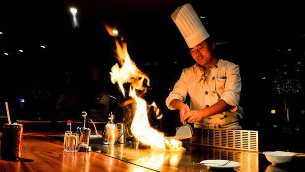 鐵板燒師傅教我的一堂課:敬業的人才是真「專業」!
