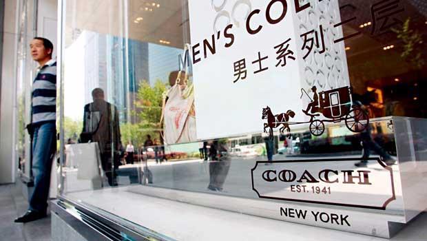 中階時尚品牌在中國穩占上班族客層,業績蒸蒸日上。