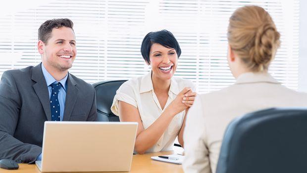 工作面試想脫穎而出?「談話有趣」比完美履歷還重要!
