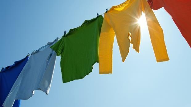 不小心把衛生紙丟進洗衣機怎麼辦?一招搞定!
