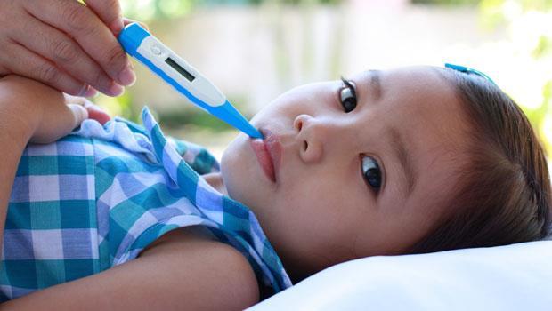 台灣人的錯誤印象:小孩發燒,就要帶去「打點滴」!