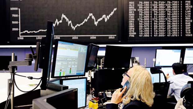 受負利率政策激勵,德國股市站上萬點創歷史新高。