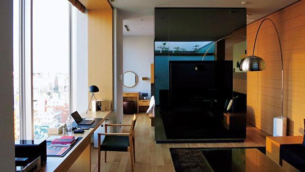 房間位於旅館最高層,可飽覽東京城市風光,視野遼闊。