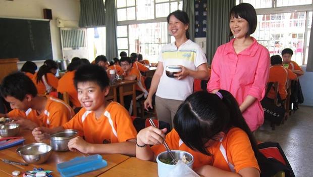 怎麼辦到?一餐35元的學校營養午餐,也能吃到無毒有機蔬菜