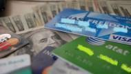 你喜歡用「分期零利率」嗎?小心,你正踏上當窮人的第一步!