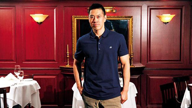 44歲的赫士盟總裁葛世傑,以輕鬆Polo衫打扮現身古典的茹絲葵店裡,他每月親自巡訪5國33家分店的習慣,和父親如出一轍。