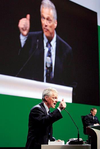 瑞士國會議員敏德推動法案,讓小股東有權決定董事長任期,大開股東主義先鋒。