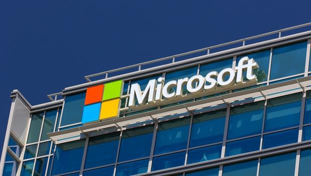 微軟狂砍1.8萬人!「劊子手」CEO說:拿出面對現實的勇氣