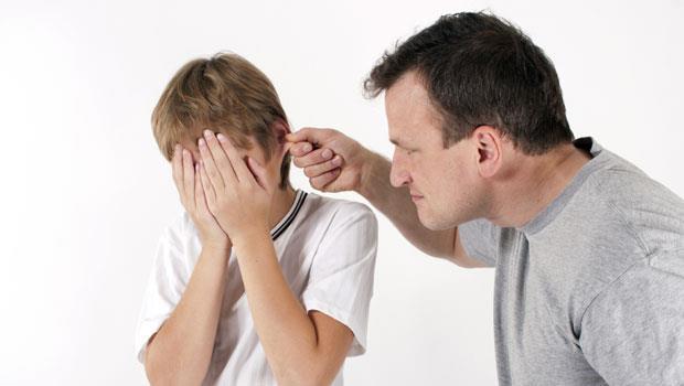 你這是什麼態度!被孩子嗆聲就大聲吼回去,你只是在教他發脾氣