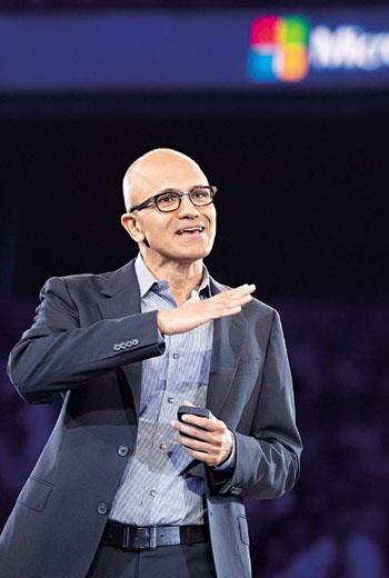 納德拉(圖)在微軟長期負責雲端技術發展,有別於鮑爾默以商管見長,他技術人的背景頗得員工心,但也背負「走出不一樣的路」的壓力。