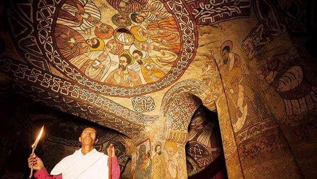 歷史學家認為阿布納耶瑪塔教堂的興建時間大約在西元十五世紀,但當地居民認為這座教堂至少有一千年的歲數。