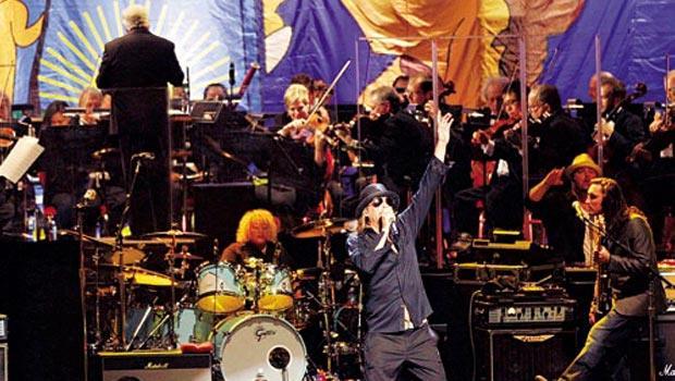 底特律交響樂團2012年與藝人搖滾小子(前)合作演出,不僅5千張票賣光,也大獲好評。