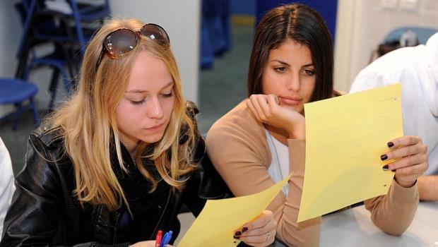 哈佛研究:歧視?女性只要愛計較薪水,就會被看不順眼