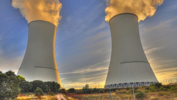 熱斃了!聯合國特別顧問:用太陽能、電動車和核電救地球