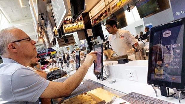 消費者只須動一指,就可搞定從點餐到結帳的流程,縮減平均用餐時間。