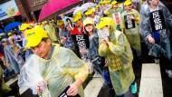 政府和企業聯手哄騙勞工的謊言:加薪就會傷害經濟!