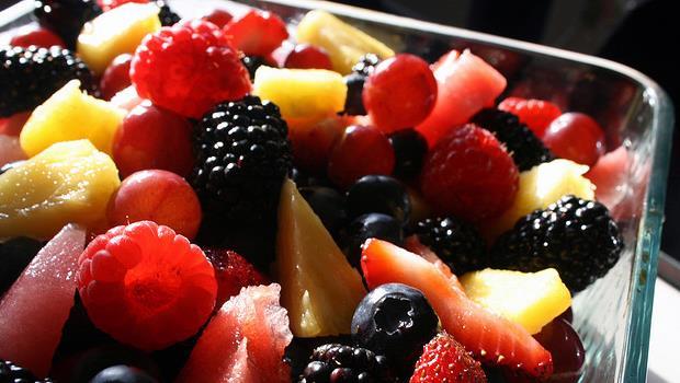營養師教你如何挑水果:顏色越深、越健康