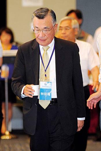 台塑越南鋼廠董事長林信義去職,雖震驚各界,卻也讓台塑有機會找懂鋼鐵的人來接手經營。