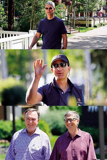 在太陽谷,產業大哥大即使看起來像是在優閒散步,聊天的內容,都可能是在醞釀一樁足以登上頭版的交易;(圖上)蘋果執行長庫克、(圖中)亞馬遜執行長貝佐斯、圖下(左)沃爾瑪前執行長麥道克、圖下(右)微軟創辦人