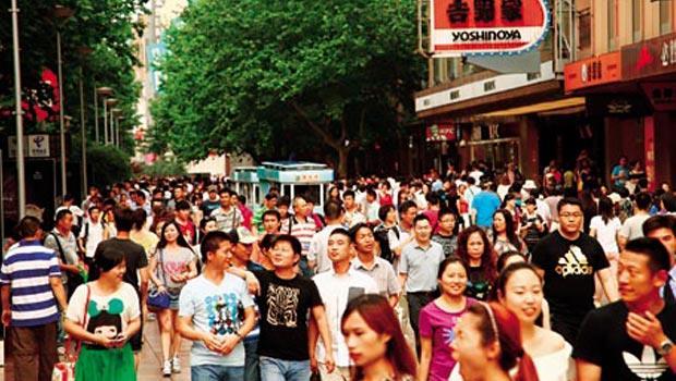 中國成長的內需市場和薪資,對台灣年輕人形成吸引力。