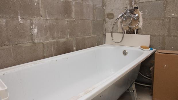 不用清潔劑,也可以清除浴缸皂垢的好方法