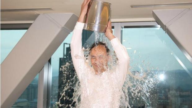 朱立倫冰桶潑水 點名戴勝益阿基師