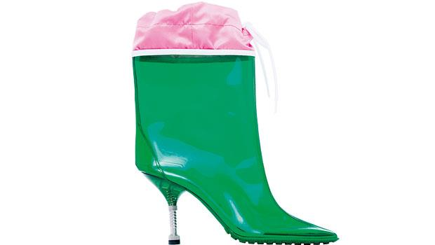 強化橡膠鞋底,雨天就像走伸展台