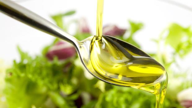 又便祕了?每天喝「一匙油」,8招提升你的「排便力」! - 商業周刊